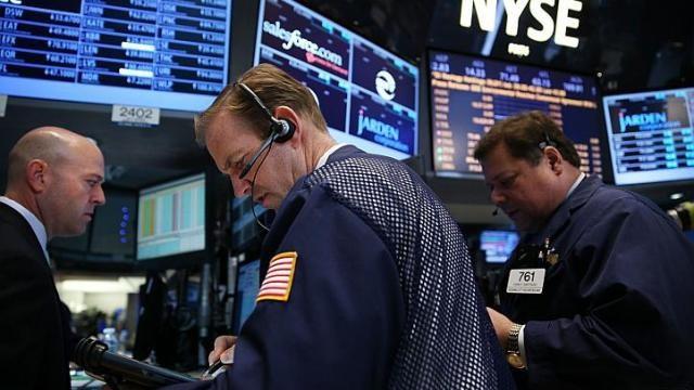 Giới đầu tư thờ ơ với thông tin mới từ Fed