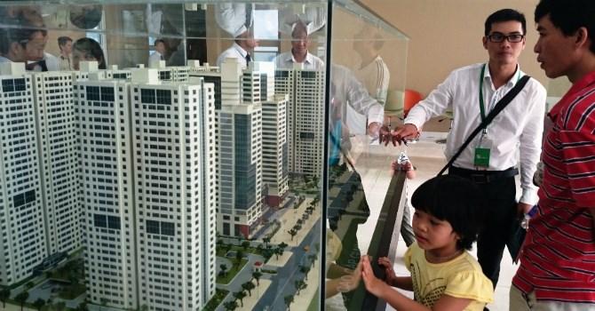 """Chiến lược """"phát tán"""" của giới địa ốc Sài Gòn"""