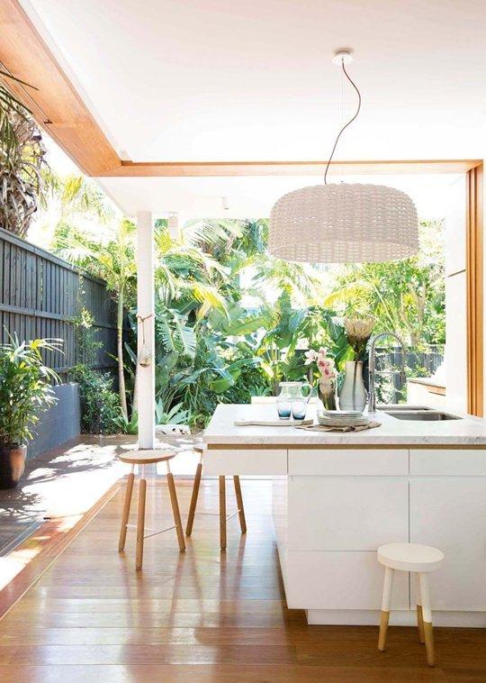 Thiết kế ngôi nhà có cửa kính trượt linh hoạt