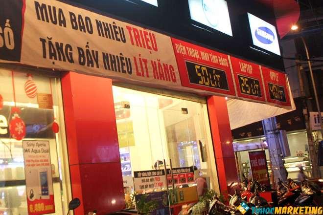 Ở Sài Gòn kéo khách bằng chiêu khuyến mại xăng