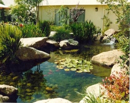 Thiết kế hồ nước trong khung vườn tạo bầu không khí trong lành