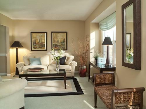 Trang trí phòng khách và phòng ăn bằng tranh sơn dầu.