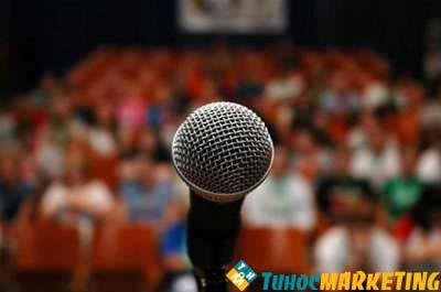 Thuyết trình trước đám đông cần kỹ năng gì?