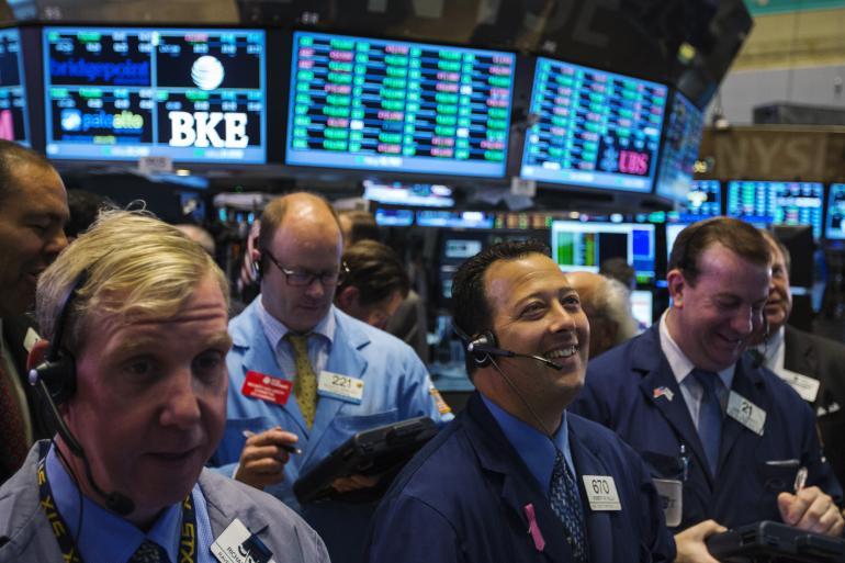 Chứng khoán Mỹ khởi sắc sau khi Eurozone thỏa thuận cứu trợ cho Hy Lạp