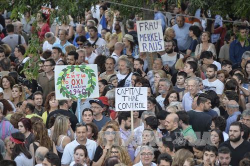 Trước cuộc trưng cầu ý dân kinh tế Hi Lạp suy sụp