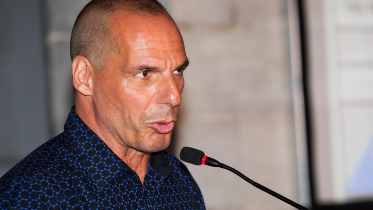 yanis-varoufakis-interviewed-on-the-bbc.w_hr