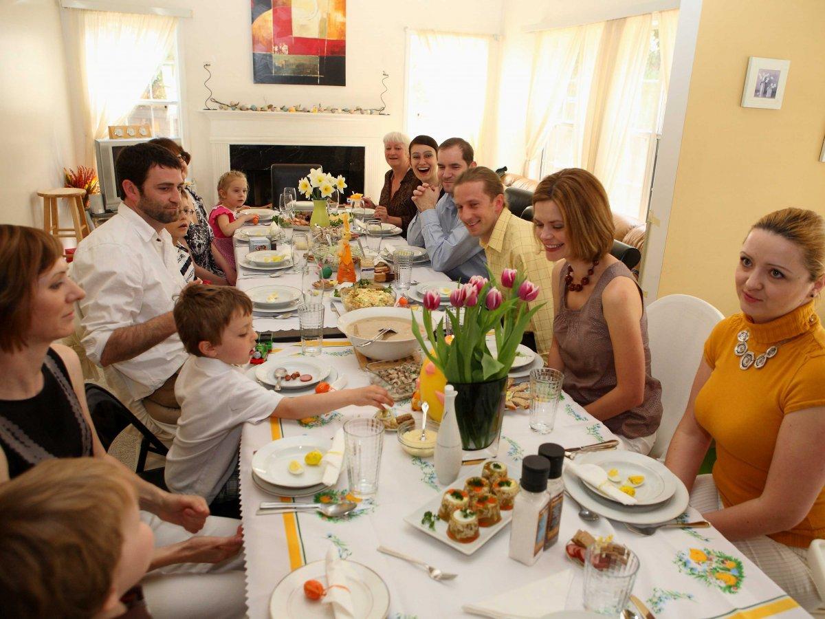 Trong ngày lễ phục sinh, người dân trên khắp thế giới ăn gì?