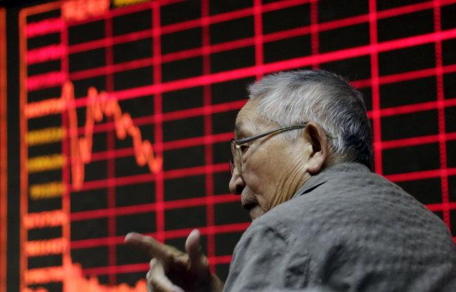 Bắc Kinh tìm cách đổ trách nhiệm chứng khoán cho người khác