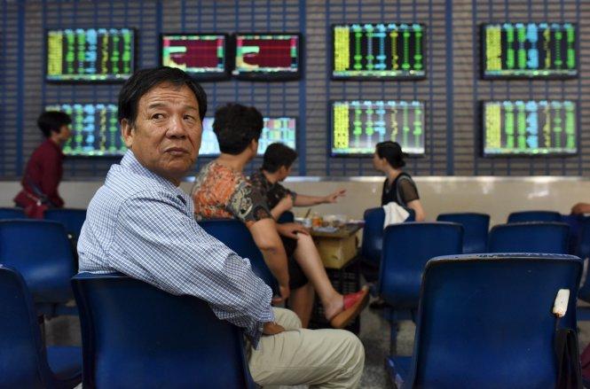 Việt Nam cần làm gì khi chứng khoán Trung Quốc lao dốc