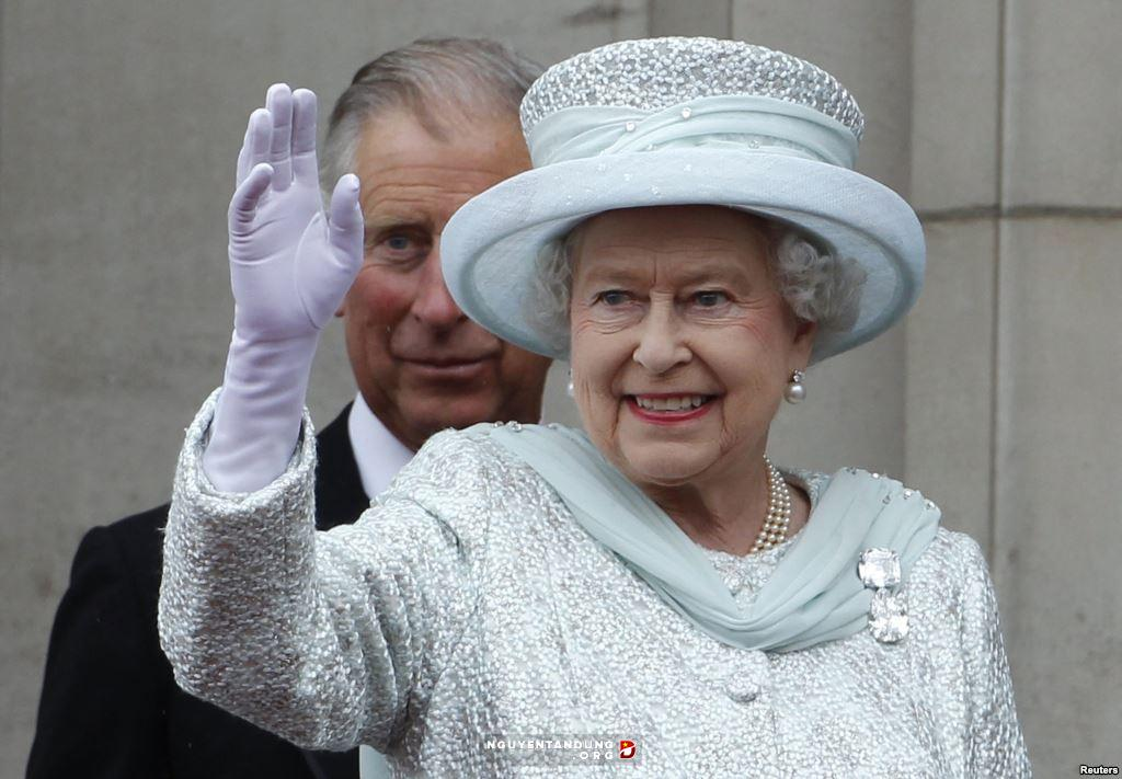 Nữ hoàng Anh giàu cỡ nào
