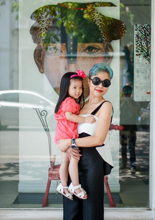 Thời trang mẹ và bé của nhà thiết kế Hà Linh Thư
