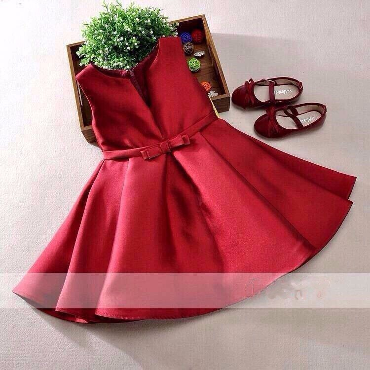 Quần áo xuất khẩu cho bé gái phong cách cổ điển