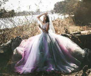 váy cưới nhiều màu