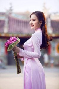 30-bo-ao-dai-dep-me-man-cua-kieu-nu-viet-trong-1-nam-qua (1)