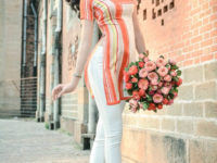 Áo dài cách tân phong cách cổ điển kết hợp hiện đại.